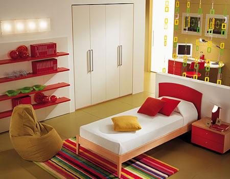 кровать детской комнаты