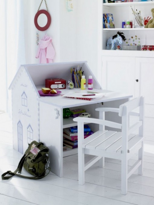 стол дом для детской