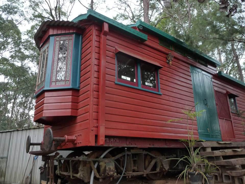 Дачный домик из старого ж/д вагона