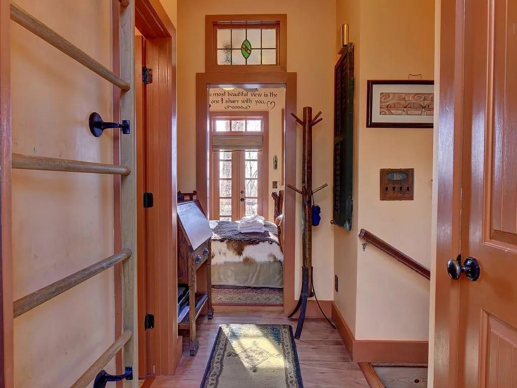 коридорчик в маленьком доме
