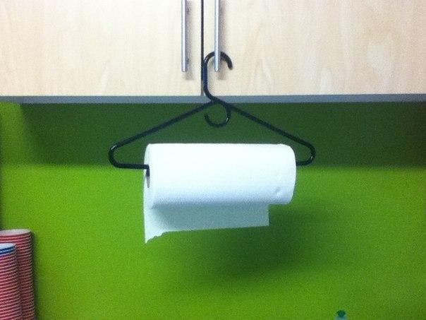 лайфхак - вешалка для бумажных полотенец