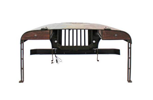 дизайнерский стол из старого автомобиля
