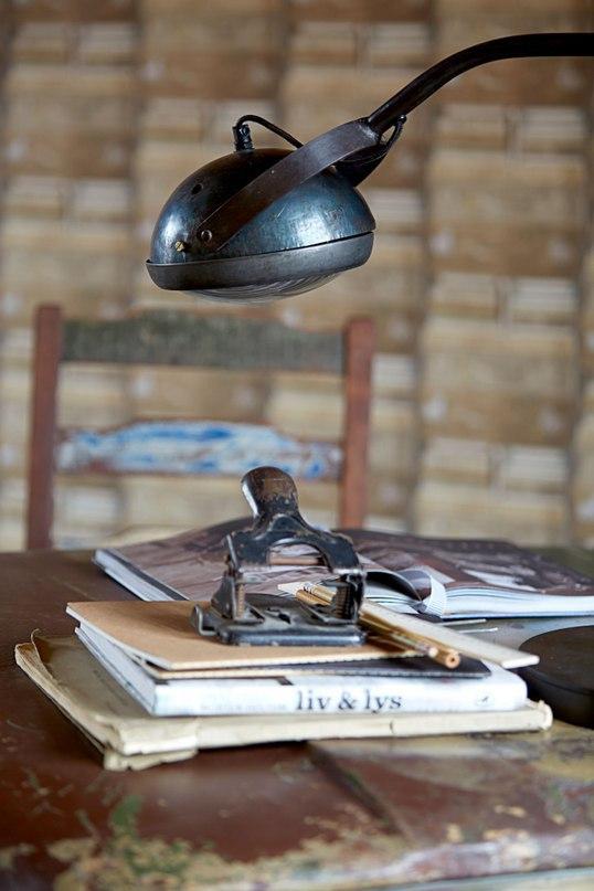 дизайнерская лампа из старой фары