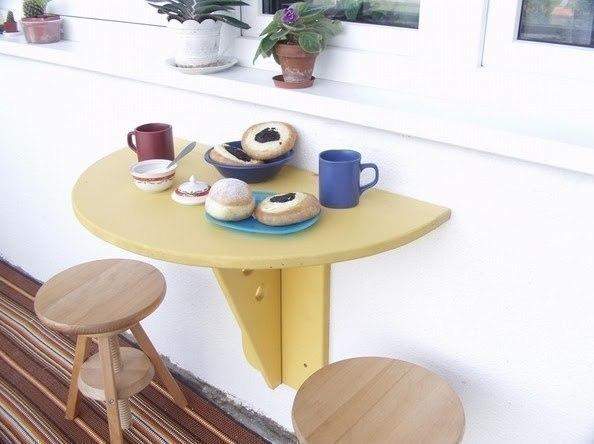 Откидной столик на балкон для экономии места